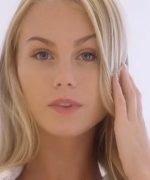 Romantik Ateşli Sarışın Uzun Porno Filmi
