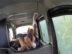 Taksici Müşteriyi Tenhada Sikti