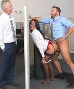 Ofisin Seks Duvarı Çok Güvenli