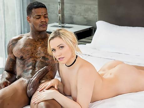İddialı Sarışından Evli Zencinin Kaslarıyla Orgazm