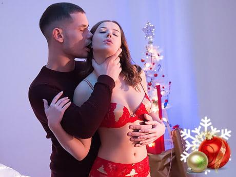 Yeni Yıl Gecesinde Kırmızı Jartiyerini Giydi