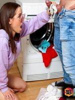 Çamaşırlıkta Kıstırdığı Baldızın Ağzına Veren Enişte